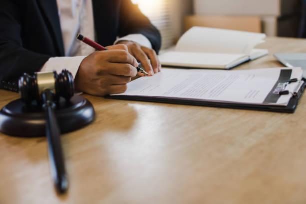 أفضل محامي في القضاء الإداري