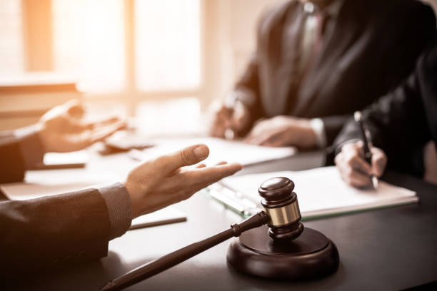 محامي مؤسسات في جدة